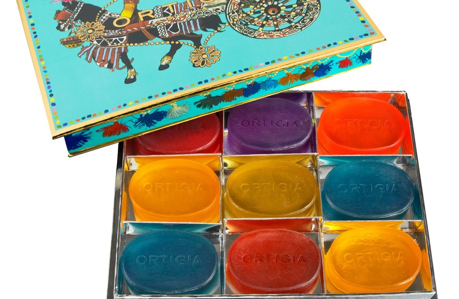 Giftbox turqouise 9 glycerins soaps
